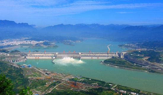 宜昌市三峡大坝旅游区(来源:新华网) 景区简介:三峡大坝位于西陵峡中