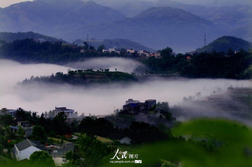 广西玉林鹿峰山风景区