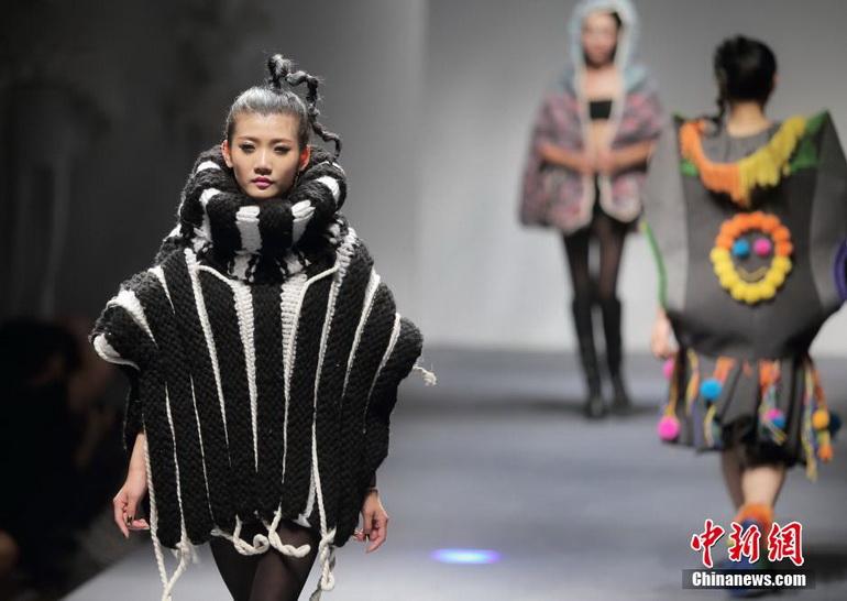 高清:南京大學生服裝設計畢業作品秀綻放t臺