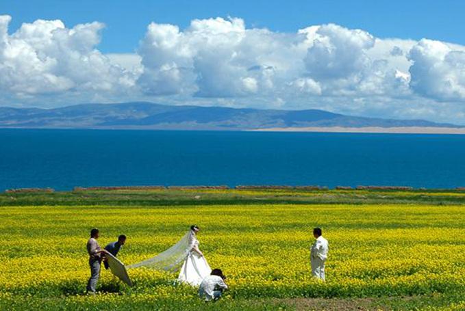 青海湖景区(来源:青海湖旅游资讯网) 景区门票:二郎剑景区/100元 景区