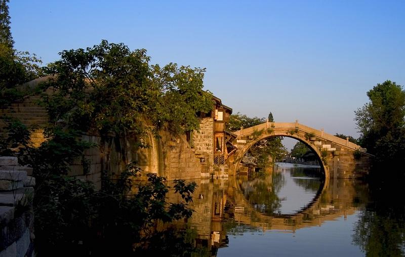 市区13公里,距周围嘉兴、湖州、吴江三市分别为27公里、45公高清图片