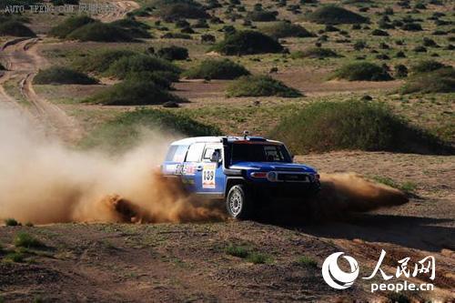 沙漠里的竞技