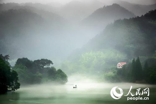 桐庐富春江