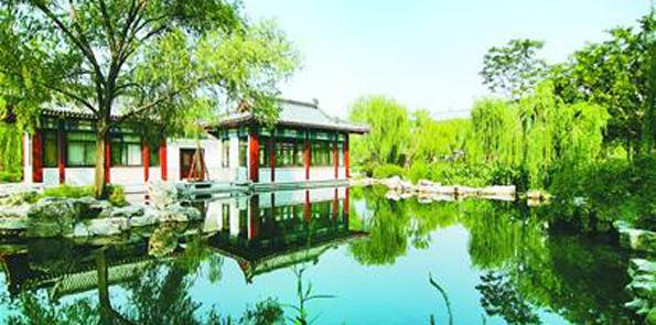 图片为万佛湖松渡码头部分水域,右下角为万佛湖万佛禅寺.