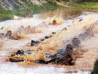 国产猎_走进中国猎人集训队:这才是地狱式训练