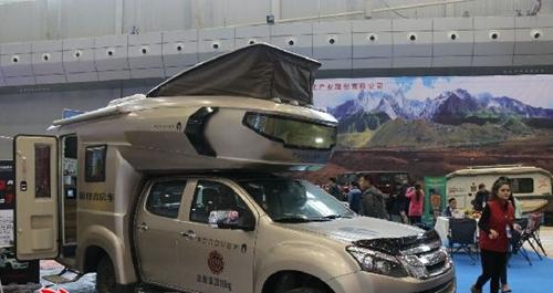 第十届冬博会80个房车营地开启新疆房车旅游新时代