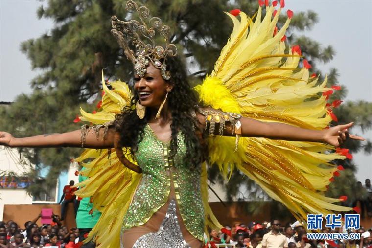 高清:尼日利亚举行卡拉巴狂欢节