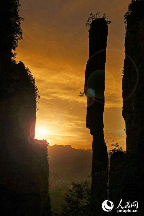恩施大峡谷与张家界大峡谷牵手话发展高清图片