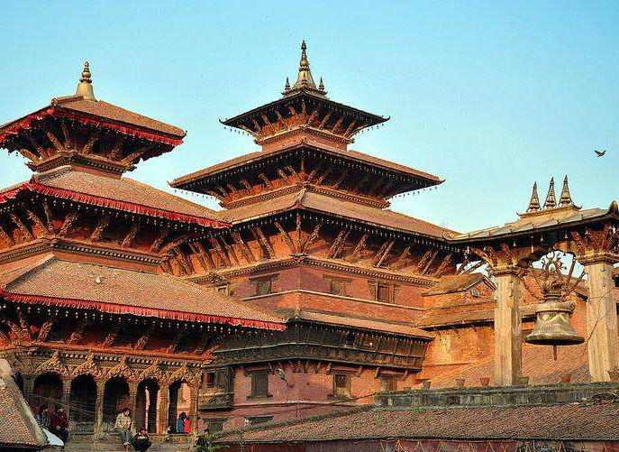 尼泊尔旅游线路尼泊尔享有多元的自然与人文景观,保留了众多世界文化遗产,是徒步者的天堂。