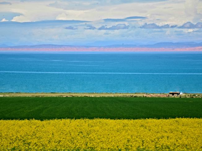 青海文旅特色旅游线路青海省因青海湖而得省名。青海自然风光雄奇壮美,具有青藏高原特色。