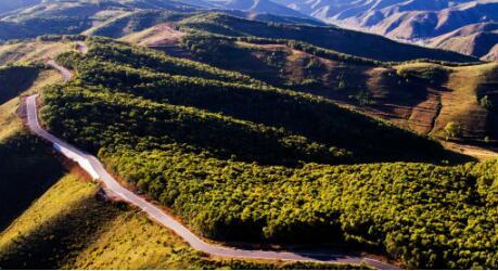 河北张家口翠云山国际文旅特色旅游线路保护自然景观,打造生态天堂。