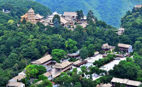 夏家沟国家森林公园位于庆阳市合水县境内,所处地带是子午岭森林覆