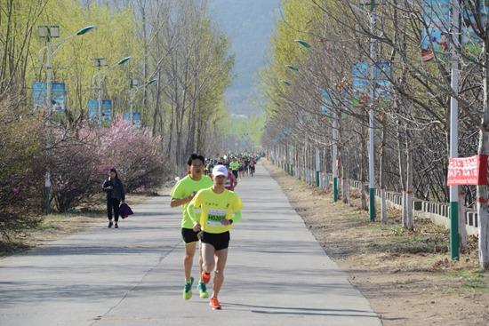 中国迁安国际山地越野马拉松收官 体育+旅游亮点纷呈