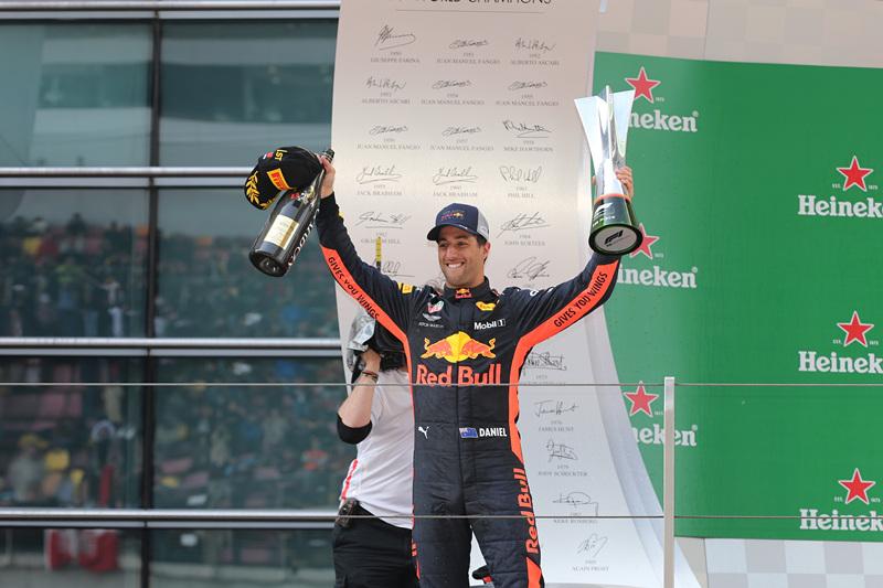 澳大利亚车手里卡多夺冠