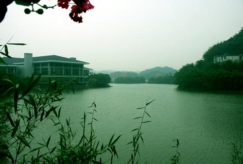 """四川长宁县""""竹海世外桃源""""度假酒店"""